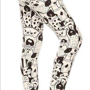 Black & White dog Print Leggings!
